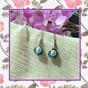 🌸New blue ocean shell White pearl dangle earrings